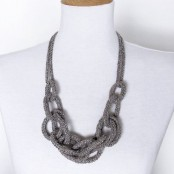gestrickte Statement-Halskette