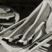 Yva – Seidenstrümpfe, o.J., Silbergelatine, Museum für Kunst und Gewerbe Hamburg