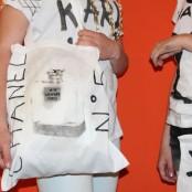 """""""Karl Who?"""" war auf jeden Fall die beliebteste T-Shirt Aufschrift!; Foto: MKG"""