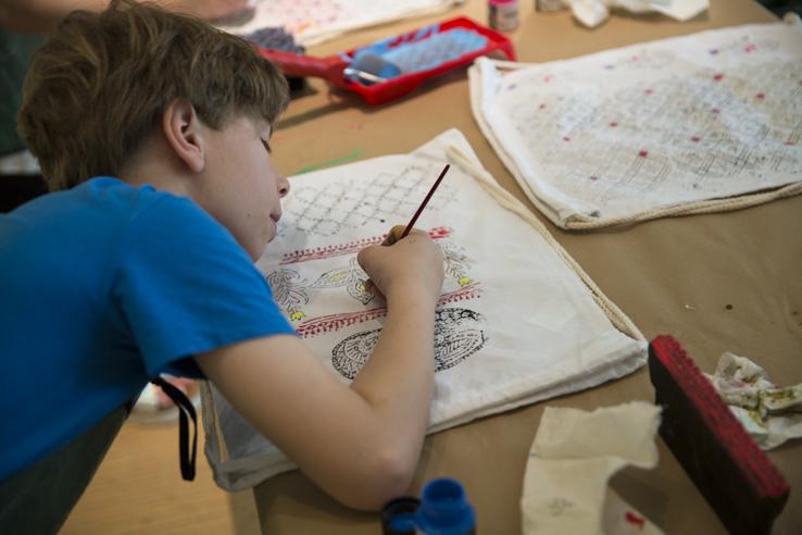 Ein Junior-Designer bei der Arbeit!